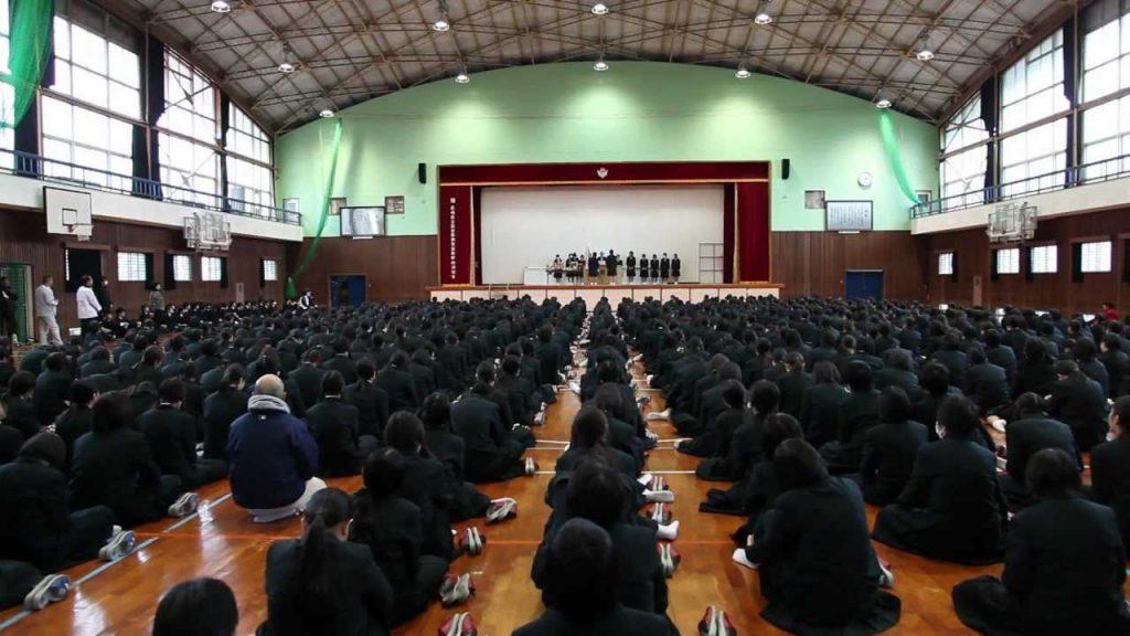 top diferenças entre escolas em anime e escolas japonesas