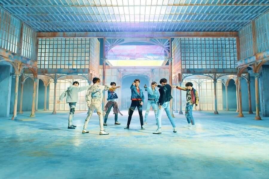 BTS entram no Top 10 do Hot 100 da Billboard