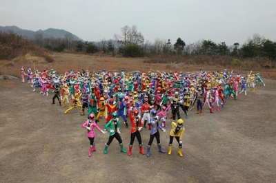 Toei avança para filmagens com todos os Power Rangers