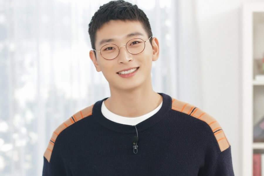 Jeong Jinwoon 2am alistamento militar kpop