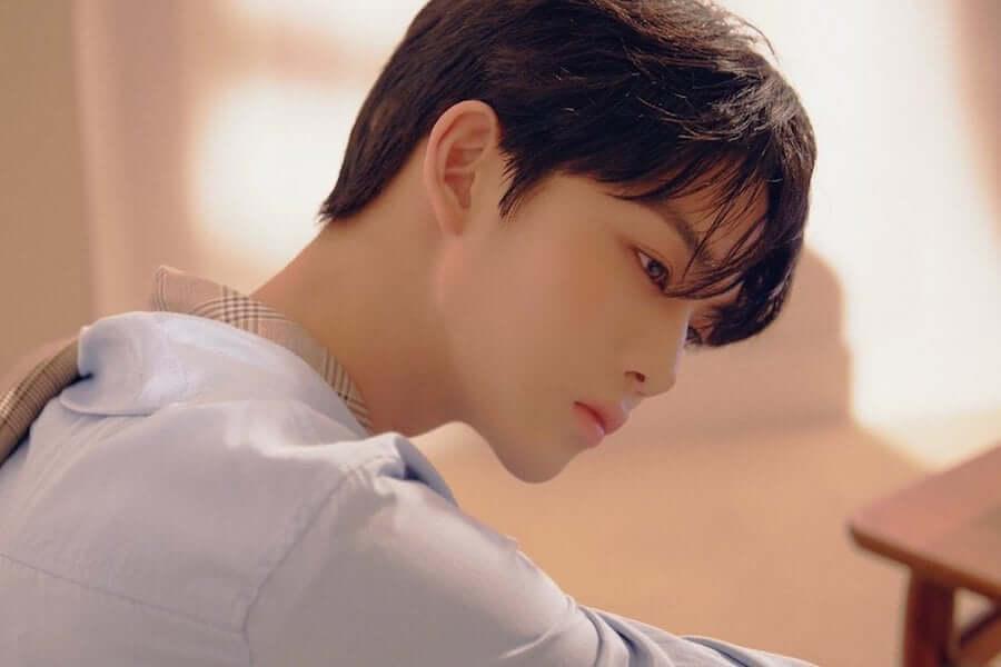 Bae-Jin-Young-2 grupos que regressam em abril 2019
