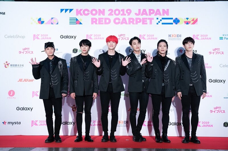 Ídolos de Kpop brilham na Red Carpet da KCON 2019 Japan GMOST