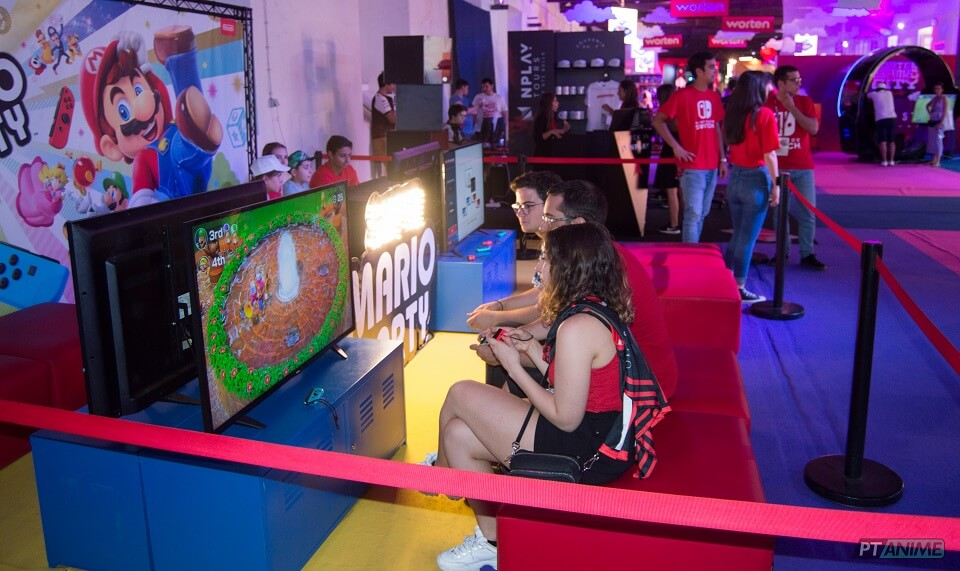 Worten Game City - Pessoas a jogar