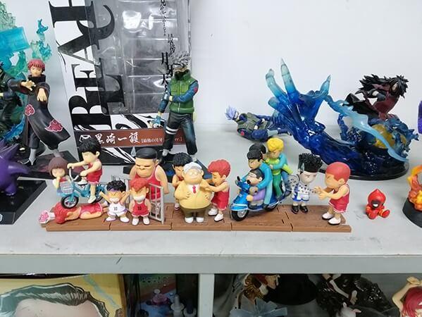 Apreendidos 1 Milhão de Figuras e Brinquedos Falsos na China 3