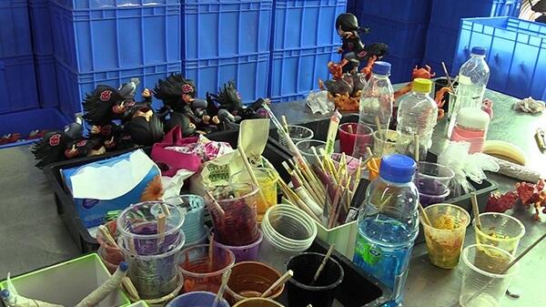Apreendidos 1 Milhão de Figuras e Brinquedos Falsos na China 5