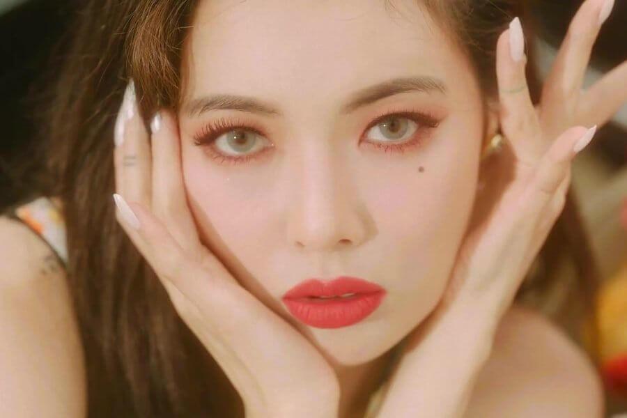 """HyunA no topo das Tabelas Musicais Chinesas com """"Flower Shower"""""""