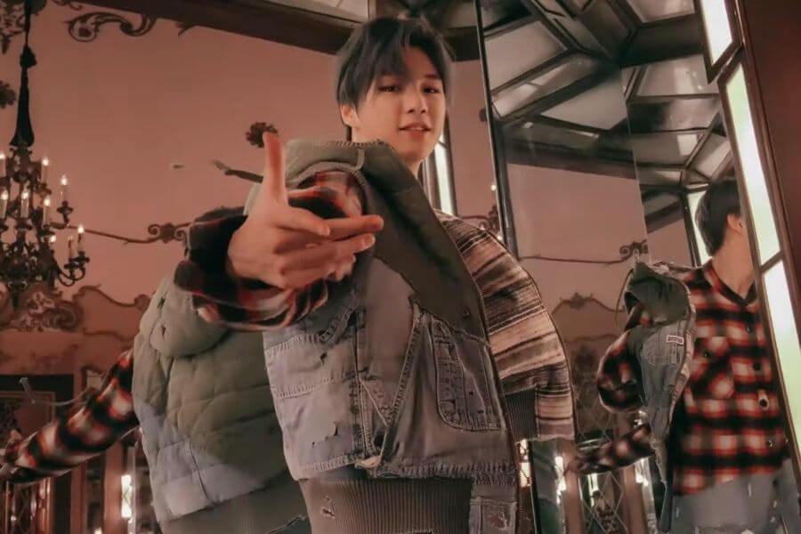 """Kang Daniel regressa com o MV de """"2U""""Kang Daniel - Novas Músicas em Espetáculo de Comeback"""