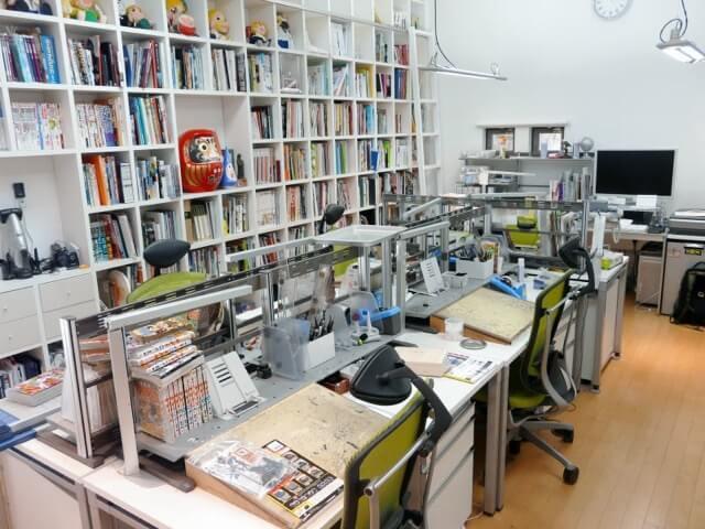 Makoto Raiku - Secretárias onde nasceram grandes obras de Manga
